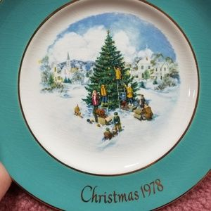 Avon Christmas 1978 6th Edition Tree